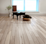 Třívrstvé dřevěné podlahy - Jasan bělený paluba