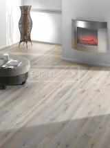 Třívrstvé dřevěné podlahy - Dub bělený ivory, ručně škrábaný, hoblovaný, postaršený