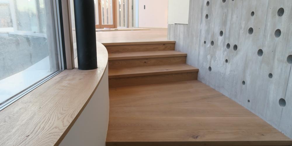 parapet do rádiusu a schody