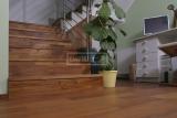 Ukázky realizací - obložení schodiště - Masivní schody TEAK