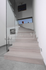 Ukázky realizací - obložení schodiště - Masivní schody DUB bělený ALPINE