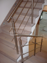 Masivní schody - Masivní schody DUB kartáčovaný bělený