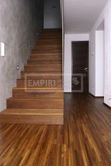 Masivní schody - Masivní schody MERBAU