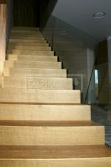 Ukázky realizací - obložení schodiště - obložení schodů Dub tzv. na bedbu