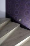 Obložení a renovace schodů - Obložení schodů, kobercový obklad s negativní spárou - Dub bělený OLYMP