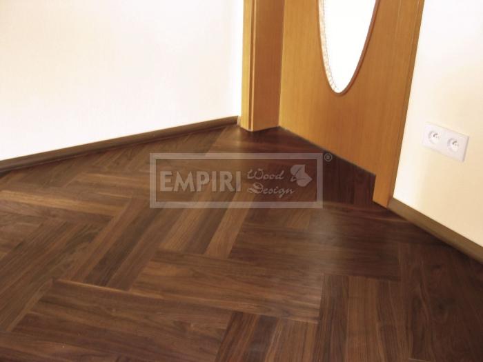 Dvouvrstvá dřevěná podlaha Americký ořech parketa