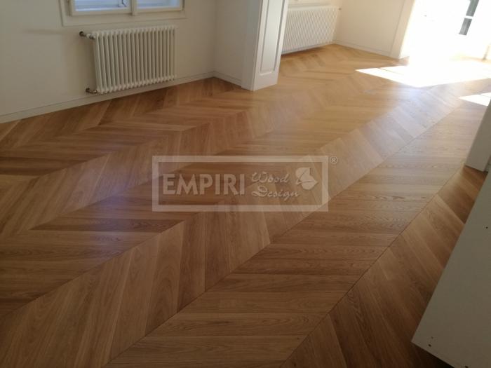 Dvouvrstvá dřevěná podlaha Dub Select/Natur, CHEVRON přírodní olej. Francouzský vzor