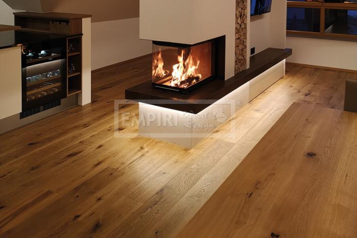 Třívrstvá dřevěná podlaha Dub Traditional, jemný kartáč, fáze, olej 5G click