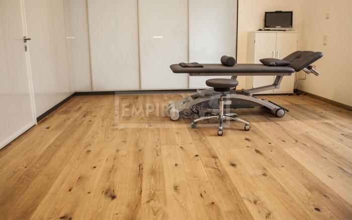 Třívrstvá dřevěná podlaha Dub Grand Rustikal, jemný kartáč, olej
