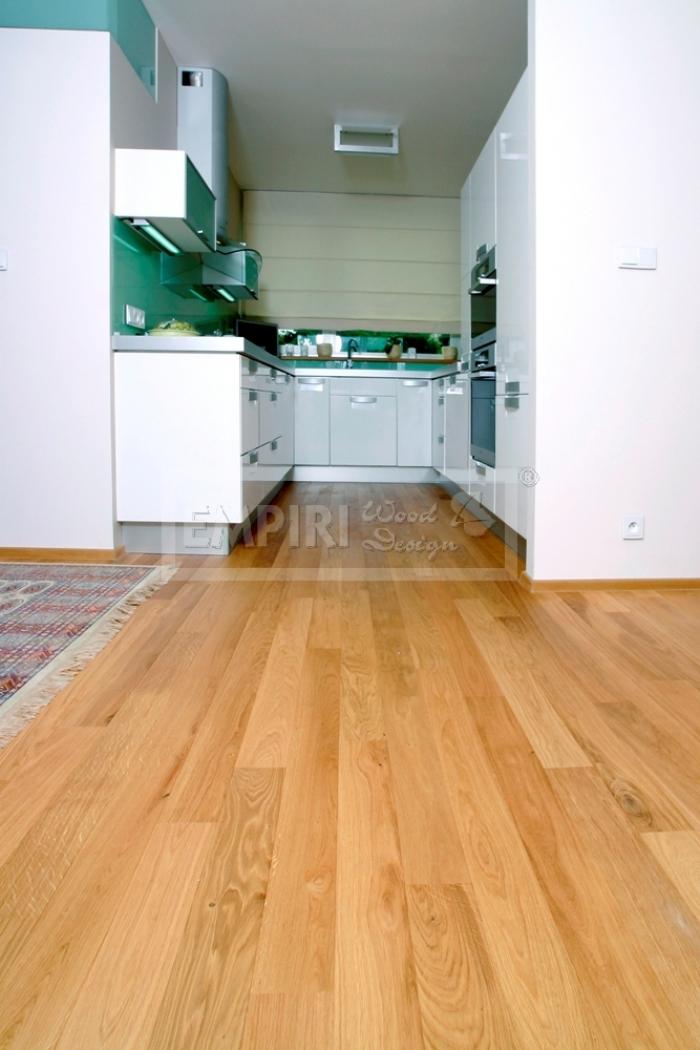Dvouvrstvá dřevěná podlaha Dub classic, jemný kartáč, fáze, olej