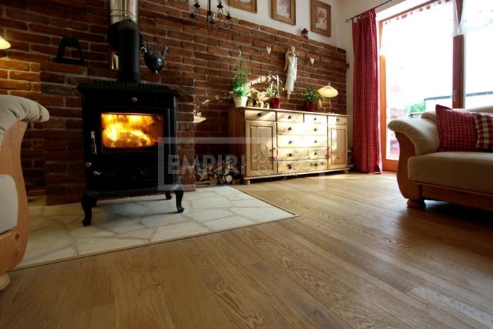 Třívrstvá dřevěná podlaha Dub rustikal kartáčovaný