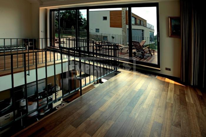 Třívrstvá dřevěná podlaha Dub natur kouřový