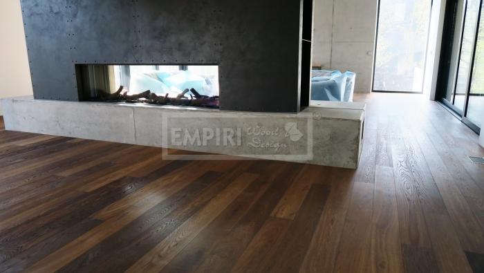 Třívrstvá dřevěná podlaha Dub rustikal kouřový jemně kartáčovaný