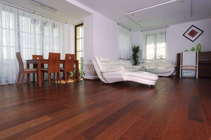 Třívrstvá dřevěná podlaha Merbau