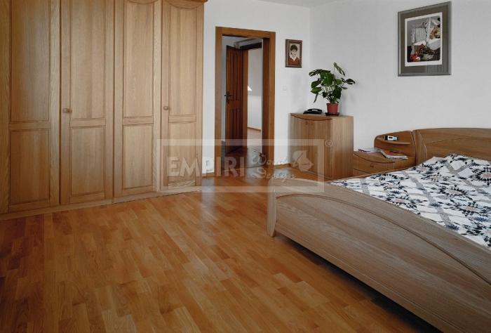Třívrstvá dřevěná podlaha Dub 3-lamela