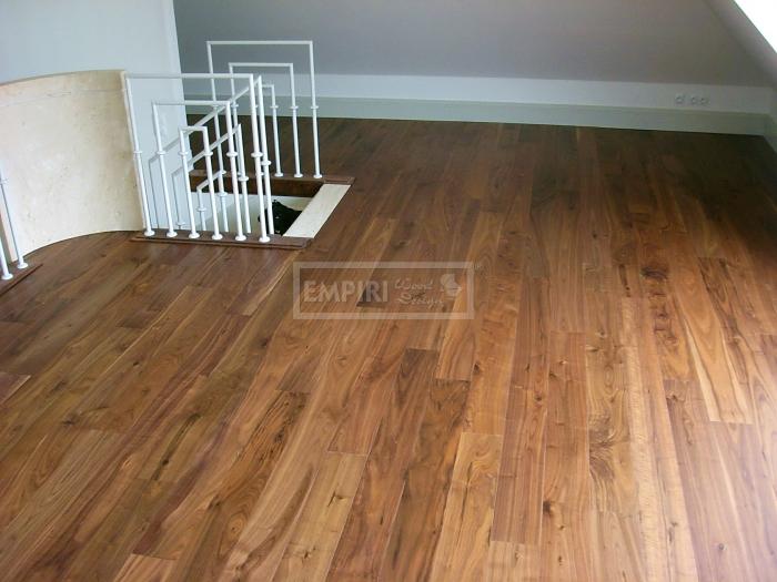 Masivní podlaha Americký ořech natur/rustikal, olej, fáze
