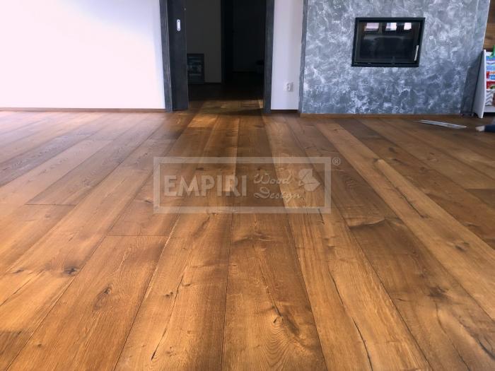Třívrstvá dřevěná podlaha Dub Grand Rustikal, jemny kartáč, kouřový, fáze, olej
