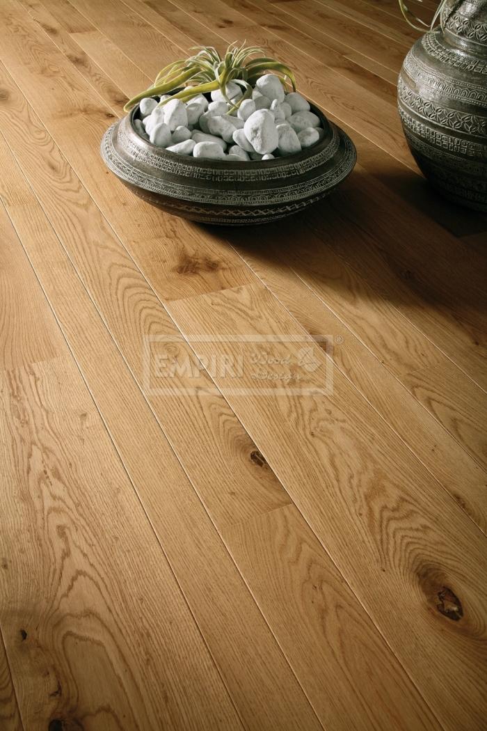 Třívrstvá dřevěná podlaha Dub Britany - mix šířek 9, 15 a 19 cm