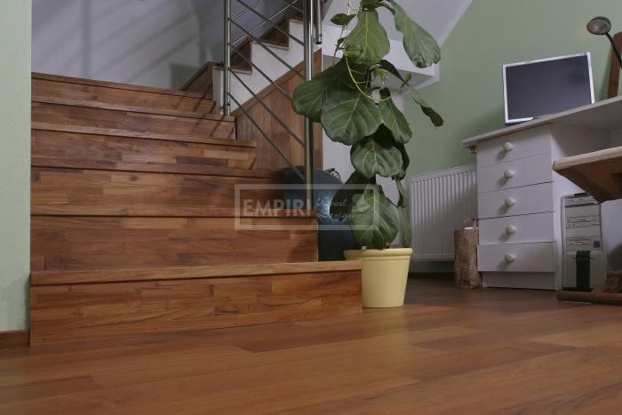 Dřevěné schody Masivní schody TEAK