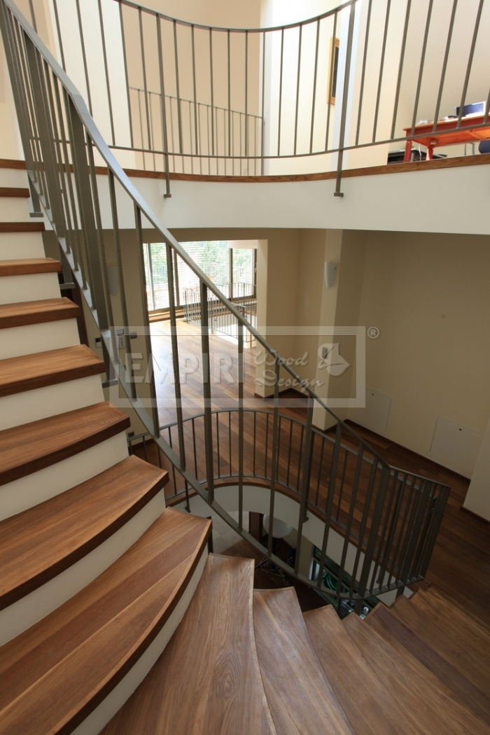 Dřevěné schody Masivní schody DUB kouřový
