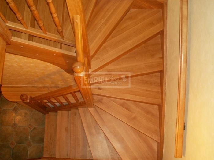 Dřevěné schody Masivní schody DUB mořený